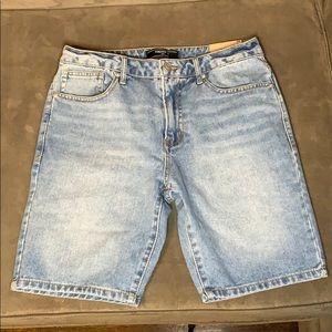 NWT FOREVER 21 MEN Slim Fit Short